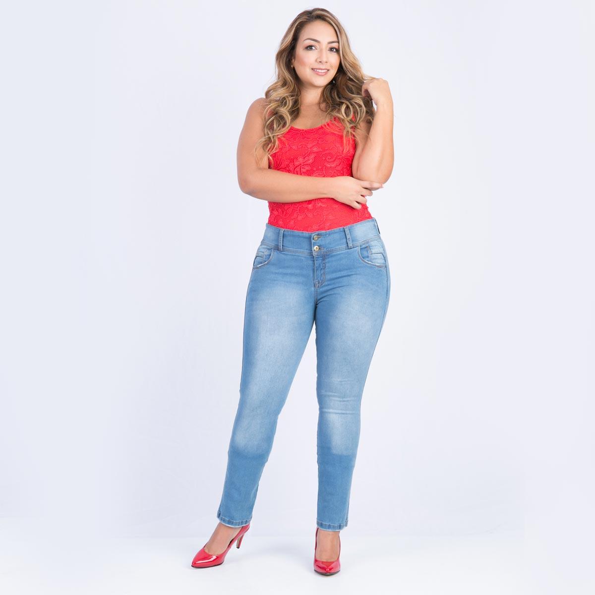 16668a7e18 Jean claro bota recta para mujer tallas grandes tiene una característica